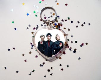 Green Day Keychain - American Idiot - Billie Joe Armstrong - Mike Dirnt - Tre Cool - Kerplunk - Dookie - Warning - Nimrod - Revolution Radio