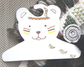 Indian wooden decor bear, bear coat rack hanger baby room, personalized with name and message, Indian feathers wood