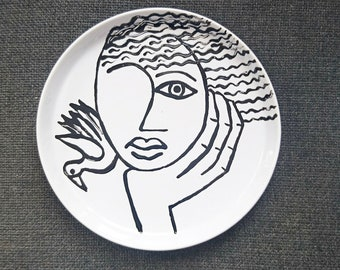 """Stoneware plate """"It"""""""