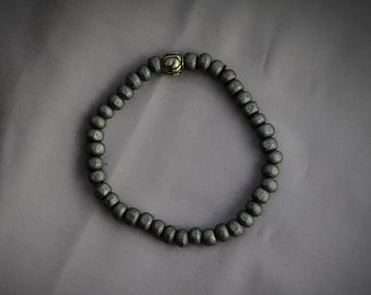 Grey Beaded Bracelet with Silver detail