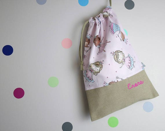 Customizable drawstring pouch - kindergarden - princesses - princess - pink - blue - glitter - hearts- school - cuddly toy - slippers - toys