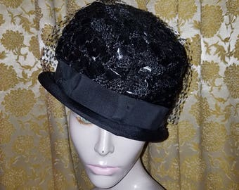 Vintage 1950's Ladies Black Straw Pillbox Hat w/Bow and Veil
