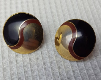 Laurel Burch Vintage 1980s Gold Tone Yin Yang Small Circle Black Enamel Pierced Earrings