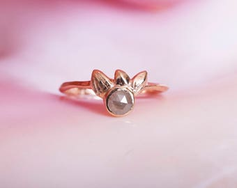 14k Gray Diamond Shimmering Shell Ring | 14k Gold and Rose Cut Diamond