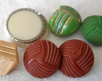 Lot of 6 VINTAGE Art Deco Glass BUTTONS