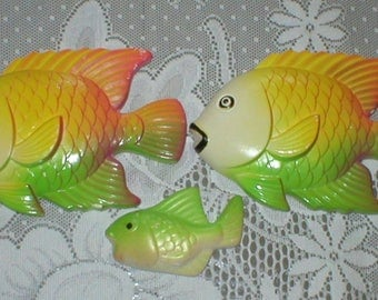 3 Vintage 1978 Fish Chalkware Three Chalk Ware Fish Wall Decor Wall Hangings