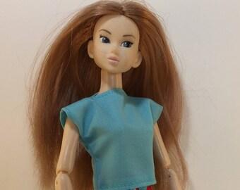 Handmade Top fits dolls like Momoko, Blythe, Skipper, Moxie Designs by P. D. Reneau (S523)
