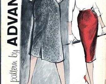 Vintage Vogue Sewing Pattern 1960s Wiggle Pencil Bombshell Skirt Pattern DIY Classic 60's Straight Skirt sexyUNCUT Advance 9498 Waist 26