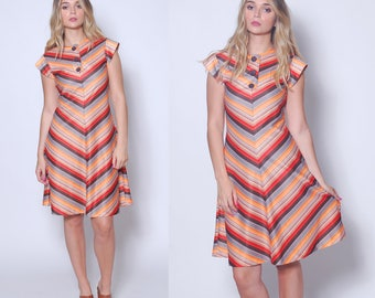 Vintage 70s CHEVRON Stripe Dress PRINTED Day Dress Striped Mini Dress