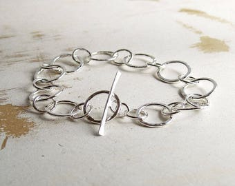 Sterling Silver Circle Bracelet, Forged Silver Jewelry, Silver Link Bracelet, Simple Jewellery, Toggle Bracelet, Hammered Link Bracelet