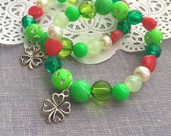 Shamrock bracelet, St Patricks Day bracelet, shamrock jewelry, clover bracelet, clover jewelry, kids bracelet, beaded bracelet. Set of TEN.
