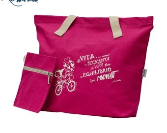 Woman bag with aphorism print, in waterproof cotton