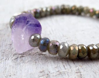 Faceted Labradorite Bracelet, Raw Amethyst Bracelet, Gemstone Bracelet, Beaded Bracelet, Boho Luxe, Mala Bracelet, Blue Green Gray