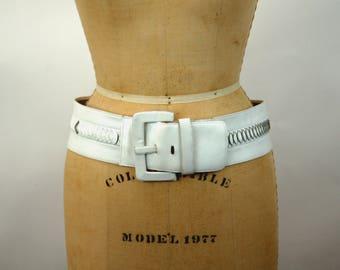 1980s belt wide white belt tooled leather belt Size L