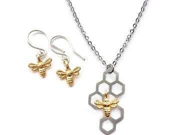 Nature Lovers Gift Ideas, Bee Necklace Gift, Gardening Gift, Silver Honeycomb Necklace and Honey Bee Earrings Set, Bee Necklace and Earrings
