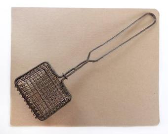 Primitive Long Handled Wire Soap Basket