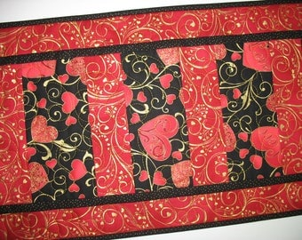 Valentine Table Runner, Hearts, Metallic, handmade, quilted,  fabric from Hoffman