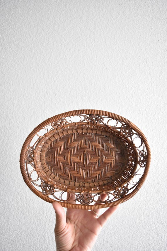 vintage decorative oval woven rattan wall hanging wicker basket / diamond pattern
