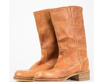 Vintage Dingo leather campus boots / 1970s Western style square steel toe / Caramel brown / Faux stacked heel / 6