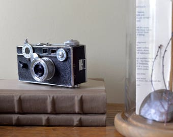 Vintage Argus C3 35mm Camera with Field Case