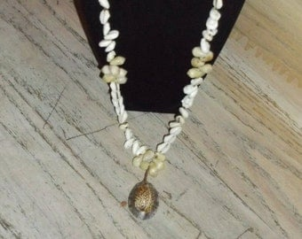 Vintage Necklace Shells White Ivory Tan Brown Beach Resort Wedding Jewelry Jewellery Bride Bridal Party Casual Gift Guide Women