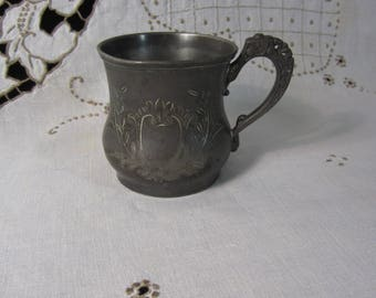 "Antique Victorian Eastern Silver Co Quadruple Plate 604 Baby Cup with Etched Cartouche and Engraved Name ""Gail"""