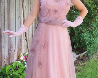STUNNING and Elegant, 1940's Dusty Peach Dress / Gown