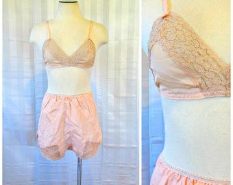 Vintage Silk Bra and Tap Pants Deadstock 1930s 1940s 34 36 Peach Beige Lace Bralet New NOS Brassiere S M Matching Set S Small M Medium