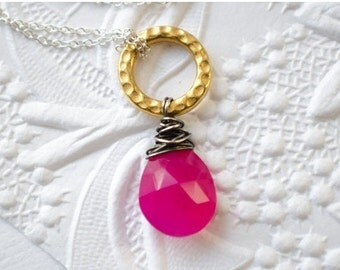 Hot Pink Gemstone Necklace | Gold Hammered Ring | Wire Wrapped Chalcedony