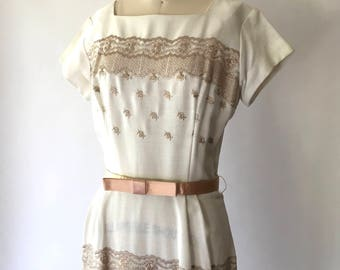 vintage 1950s dress / 50s white embroidered dress / size small