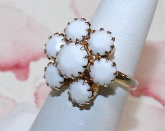 Cute Vintage, White Faceted Milk Glass, Adjustable Ring