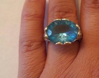 Gorgeous Art Deco Blue Topaz and Genuine Diamonds Filigree Heart Scroll White Gold Ring
