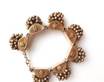 Vintage Hammered Brass Seed Cluster Bracelet / Bohemian Star Flower Brass Jewelry / Gold Tone Boho Chic Statement Bracelet