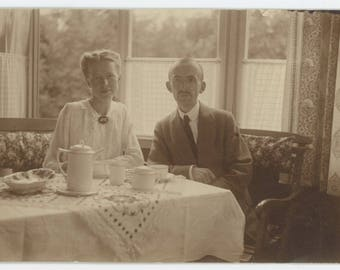 Vintage Snapshot Photo RPPC: The Coffee Drinkers, 1917 Germany (75581)