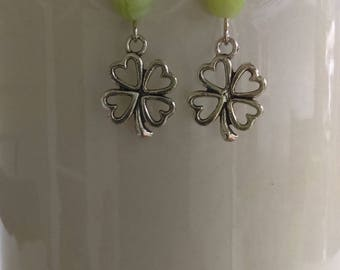4 leaf clover earrings with green stones