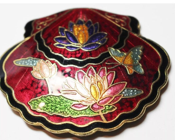 Beautiful Vintage Red Enamel Floral Cloisonne & Goldtone Scalloped Belt Buckle