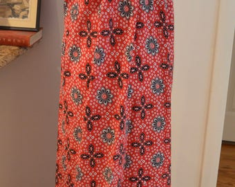 Vintage Simar red black Batik maxi dress S / M small medium ethnic tribal