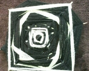 Monochrome Ojo de dios or Mandala