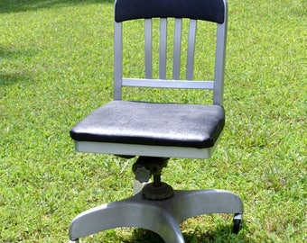 RESERVED Vintage Emeco Co Navy Desk Chair Swivel Rolling Wheels Industrial Office Chair Aluminum Black Vinyl Panchosporch