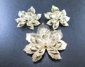 Vintage Sarah Coventry Gold Tn Layered Maple Leaf Brooch / Pin & Clip On Earrings Set 1960's Sarah Cov Signed