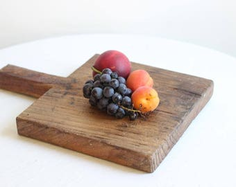 Charming French Antique Small Rustic Wooden Cutting Board/Chopping Board/Cheese Board / Époque Vintage