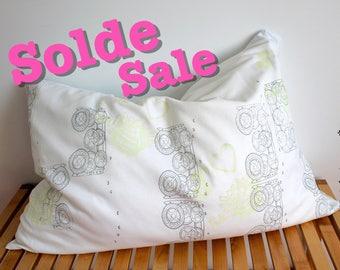 Pillowcase Set, Standard, Mechanism Screen-print & Leopard OR J'aime la poutine - I love poutine, glow in the dark
