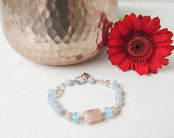 Pastel gemstone bracelet, Semi precious gemstone bracelet, chunky bracelet, blue lace agate gemstone t-bar bracelet, handmade in the UK