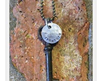 Antique Inspiring Skeleton Key Necklace - TREASURE