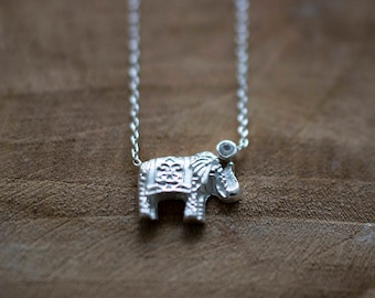 Silver Elephant Necklace - White Sapphire // Good Luck Charm // Gift For Her // Zilveren Olifant Ketting met Witte Saffier