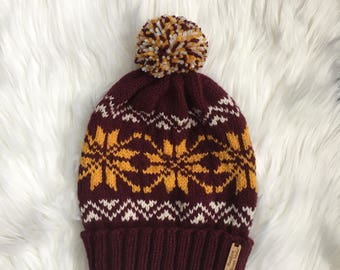 MN Gophers Maroon Gold White Snowflake Fair Isle Slouchy Knit Winter Hat + Pom Pom