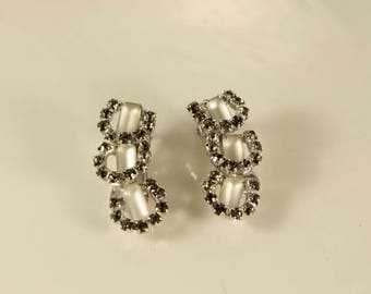 Black Diamond Earrings Gray Rhinestone Earrings Moonstone Bridal Earrings Lustrous Clip On Earrings Silver Grey Earrings Vintage Bridal Clip