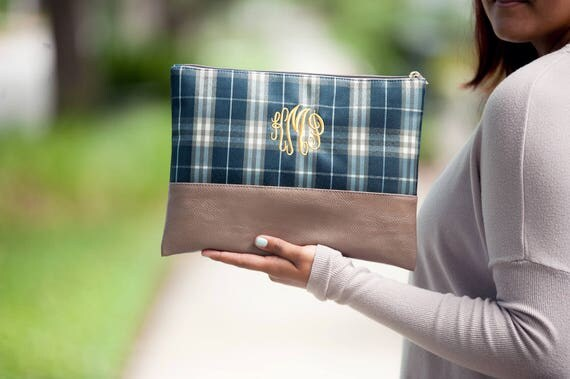 Makeup Bag Plaid Monogrammed Makeup Bag Personalized Cosmetic Bag Plaid Zip Pouch Cosmetic Pouch Bridesmaids Gifts Weddings Highway12Designs