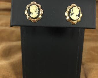 Vintage Cameo Stud Earrings with Gold Scallop