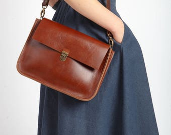 Ginger leather purse
